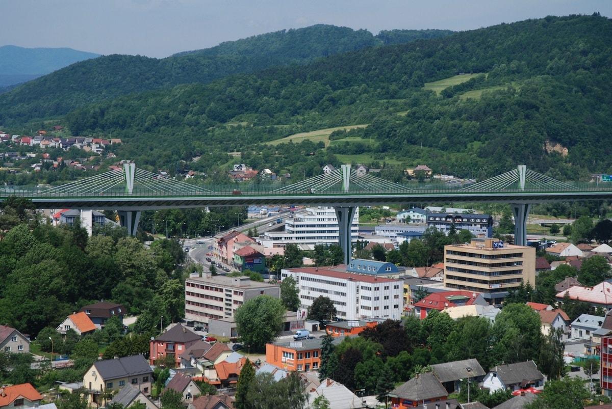 469333e7c Považská Bystrica - pohoria a vrchy - Vaše Slovensko